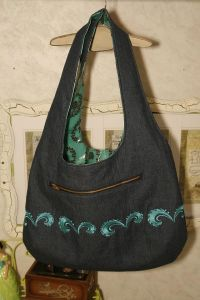 Jenny's Reversible Bag w/ Continuous Embroidery