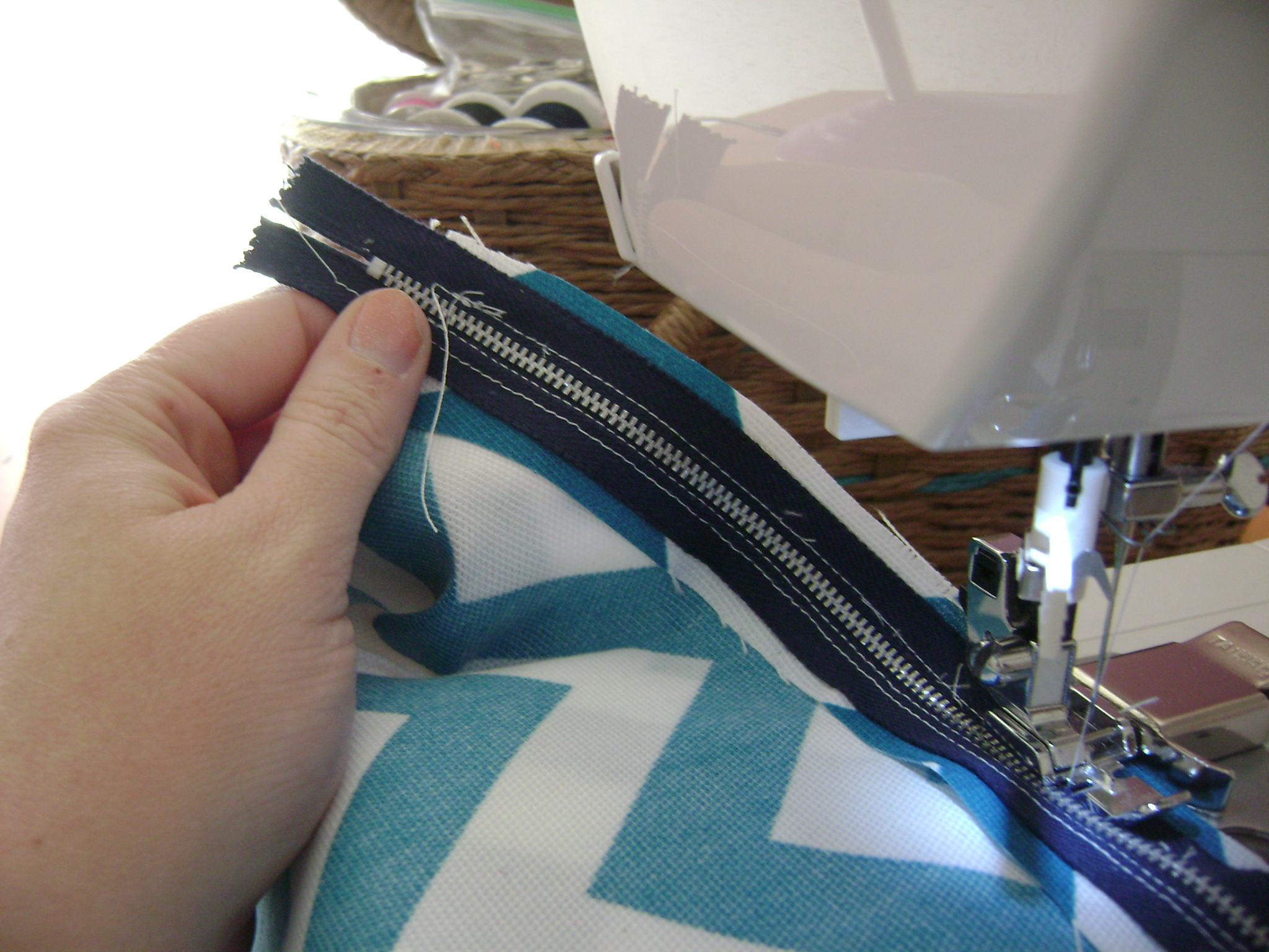 How To Sew A Bolster Pillow With Zipper