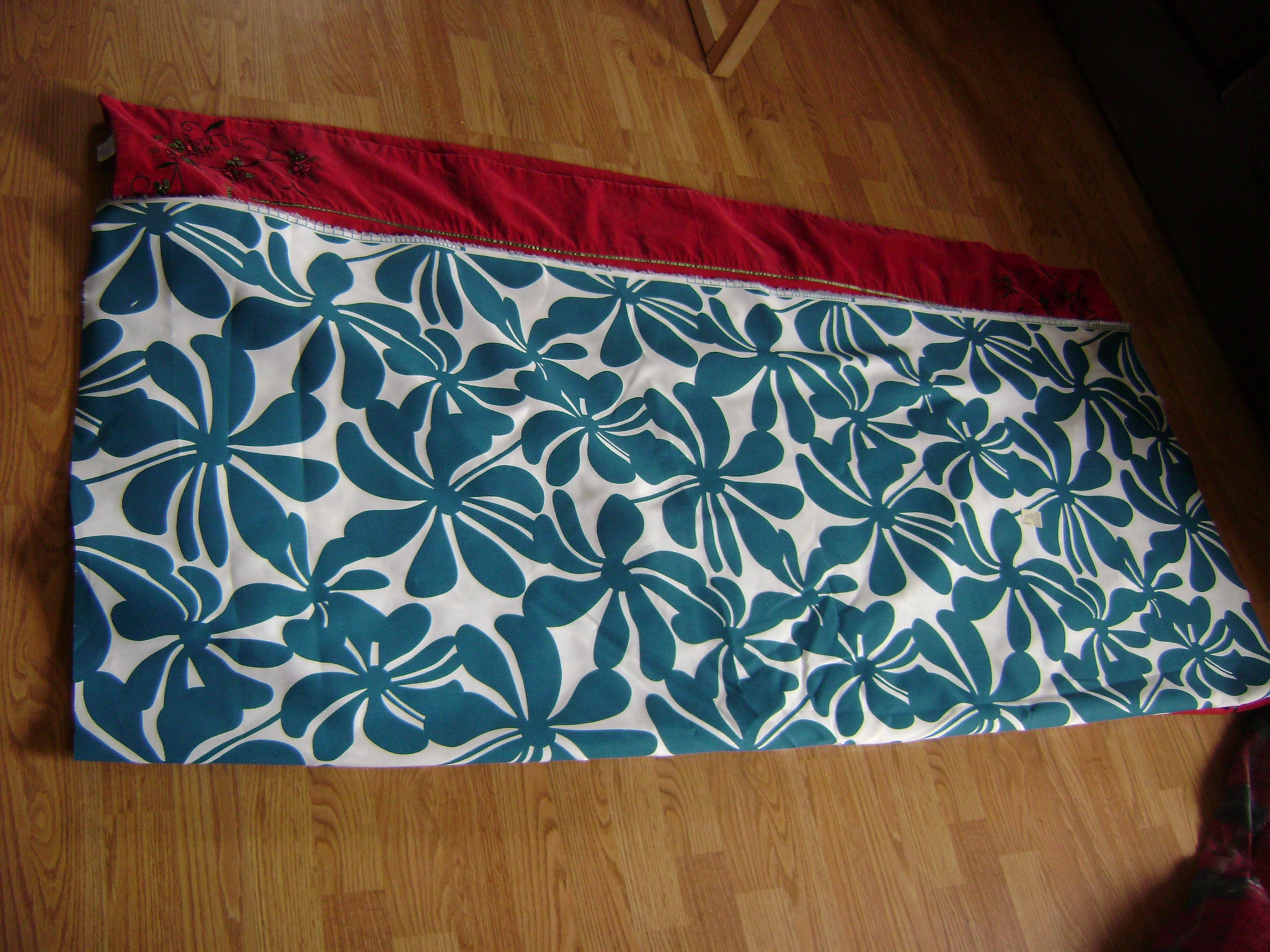 How to make a fabric table cover - I Started By Taking My Current Table Cloth And Folding It In Half I Laid My New Cloth Over It And Cut It To The Same Length