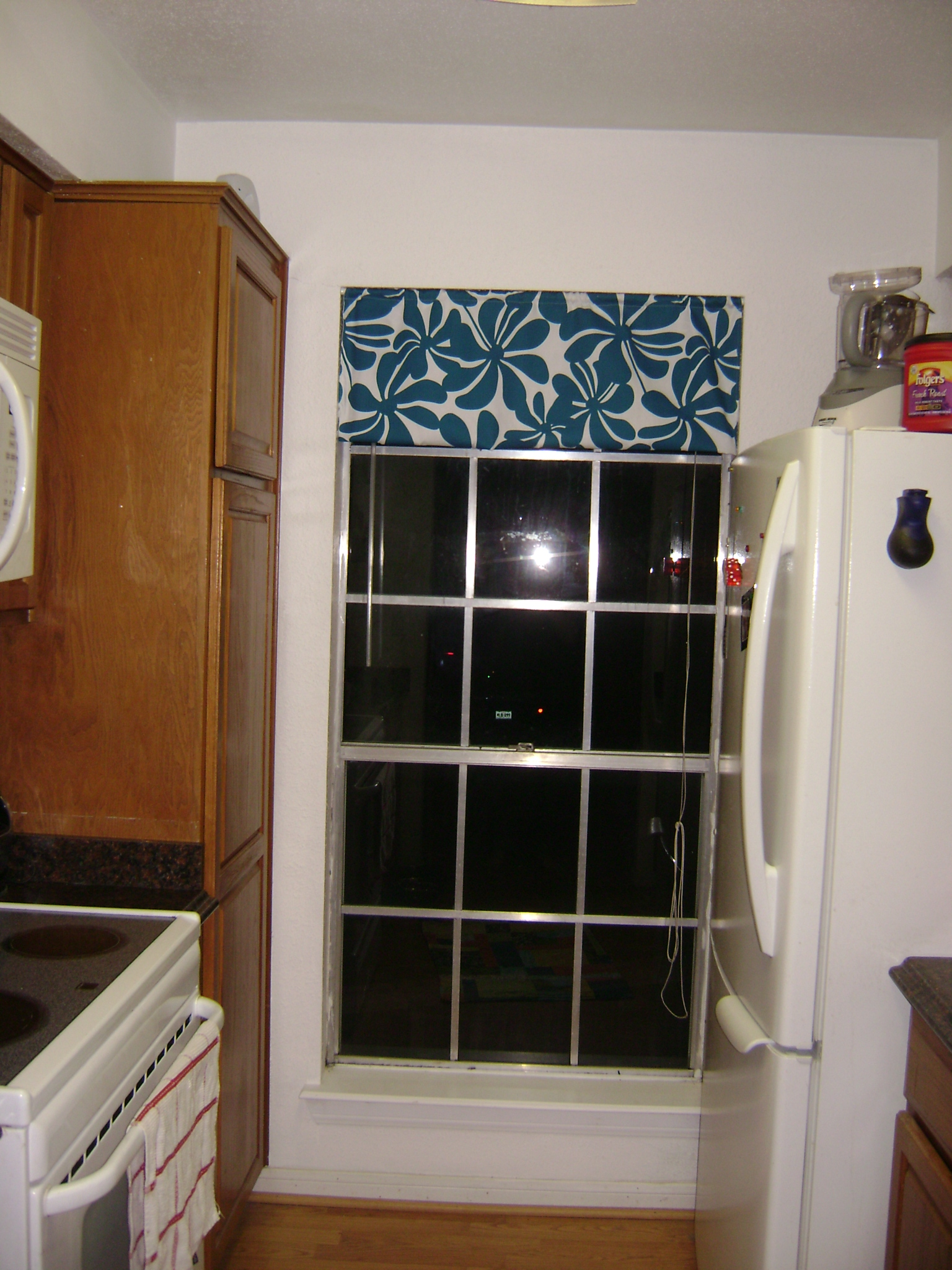 Pleasant Kitchen Valance Tutorial Sew Vac Outlet Humble Sewing Download Free Architecture Designs Estepponolmadebymaigaardcom